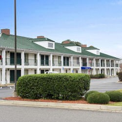 Click to view profile for Baymont Inn & Suites